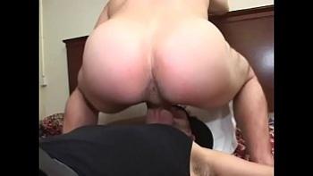 Порно ролики русские лишение девственности