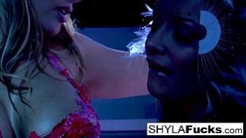 Порно видео сестра трахает брата