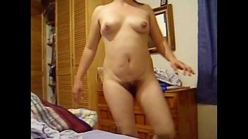 Толпой ебут женщину фото