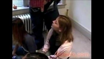 Порно видео трахнул спящую сестру в анал